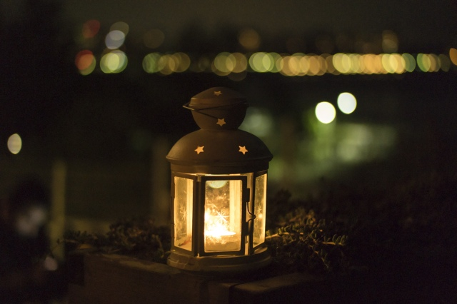 negative-space-lantern-candle-light-night-burak-kebapci-1